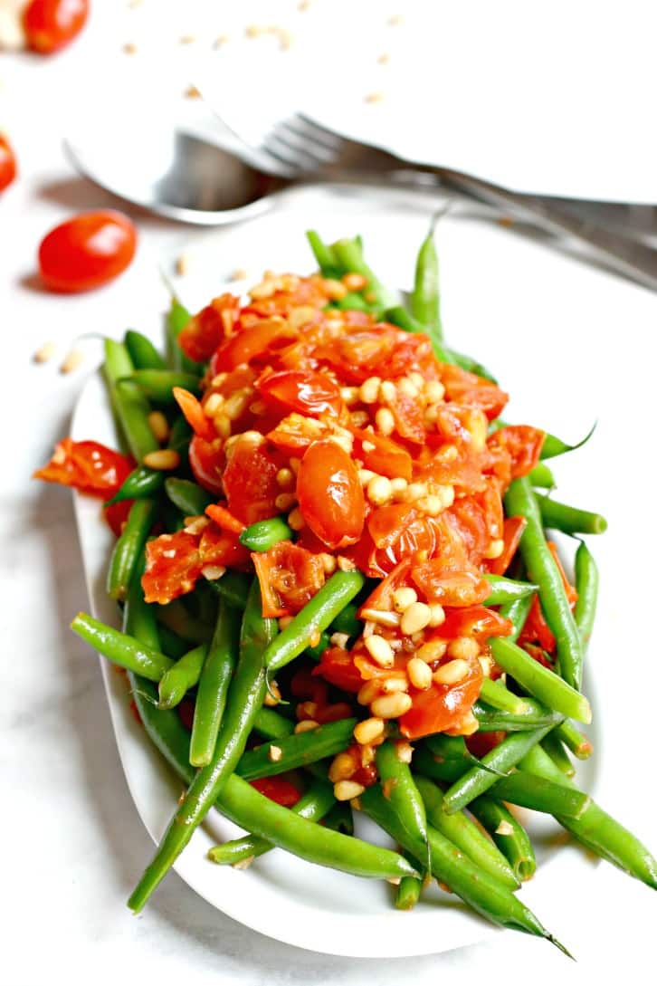Sauteed Green Beans with Tomatoes and Garlic
