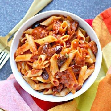Instant Pot Pasta Puttanesca (Vegan)