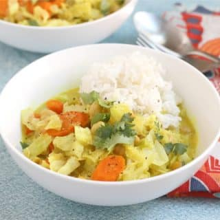 Cabbage Coconut Curry with Chickpeas (Vegan)