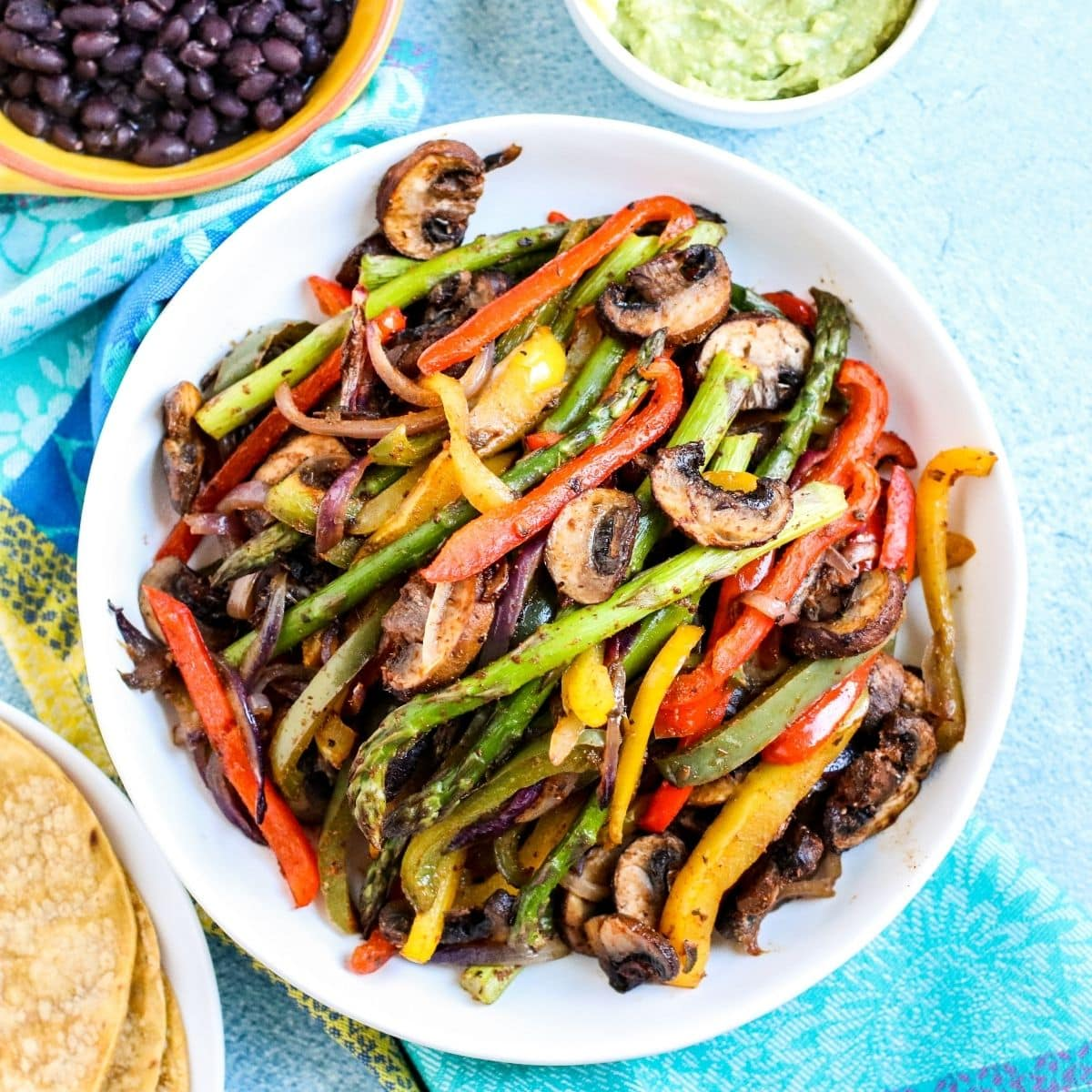 Platter of veggie fajitas ready to be served